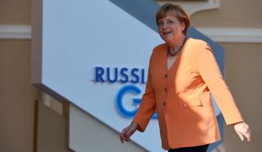 16RIAN_02278222_LR_ru.jpg Merkel.jpg