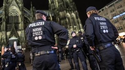 halloween_in_koeln_aggressive_maennergruppen_halten_polizei_in_schach.jpg