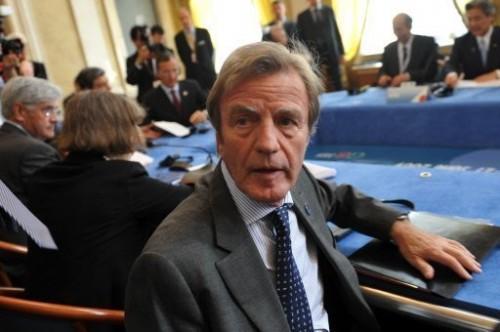 Kouchner au G8 de Trieste.jpg