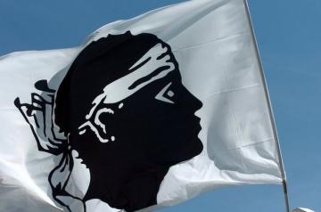 359718_un-drapeau-corse.jpg