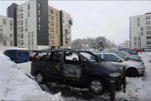 Un-elu-UMP-affirme-que-plus-de-60-voitures-ont-brule-dans-l-agglomeration-de-Strasbourg.jpg