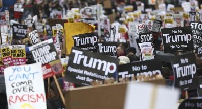 ob_a769b9_1029943928.jpg Manifestants USA.jpg