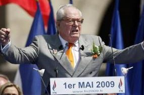 Le Pen 1er Mai 2009 discours.jpg