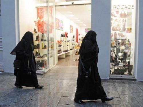 Burqa en France 29 mars 10.jpg