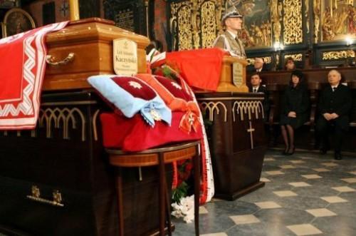 Messe funèbre à Cracovie.jpg