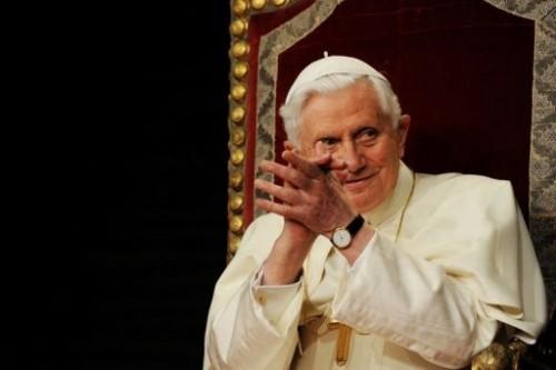 Pape à Lisbonne 12 mai.jpg
