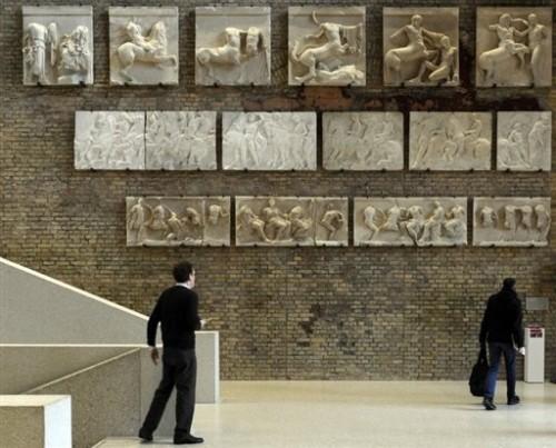 Berlin musée Neues entrée.jpg