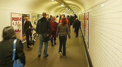 a la tire métro parisien.jpg