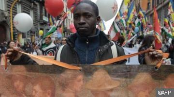 ITALIE racisme banalisé -noir manif.jpg
