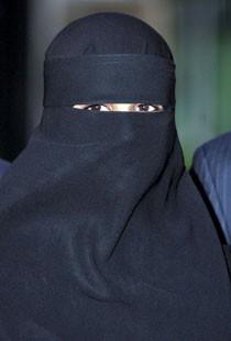 92910_niqab-une.jpg