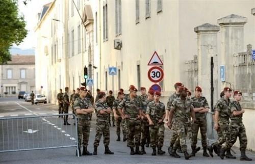 Soldats du 3ème régiment Carcassone.jpg