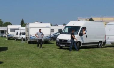 3016163_caravane-illustr.jpg Roms.jpg