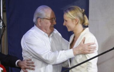 Jean-Marie-Le-Pen-et-sa-petite-fille-Marion-lors-de-la-campagne-de-cette-derniere-pour-les-legislatives-de-2012_pics_390.jpg