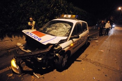 Villiers-le-Bel voiture de police 08.jpg