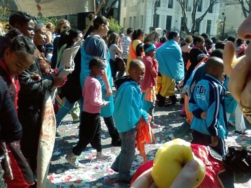CARNAVAL MARSEILLE 2 AVRIL 2009 - enfants du carnaval.JPG