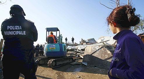 Casilino 9OO plus grand camps rom d'Europe en janvier 2010.jpg