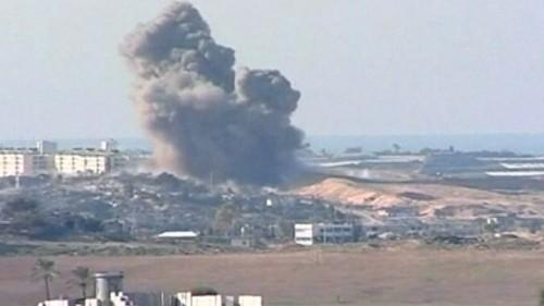 explosion-dans-la-bande-de-gaza-pendant-les-tirs-d-artillerie-2727961afxdf.jpg