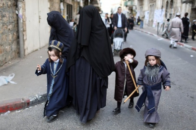Jewish-women-in-niqab-600x400.jpg juives orthodoxes.jpg