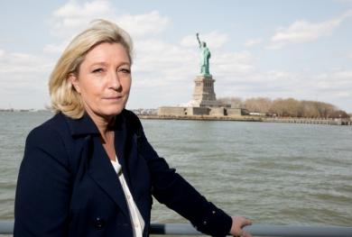 Marine-Le-Pen-se-lache-sur-son-pere_article_landscape_pm_v8.jpg statue de la liberté.jpg