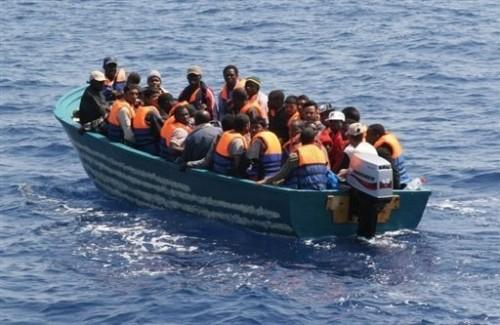 Migrants au large de lampedusa.jpg