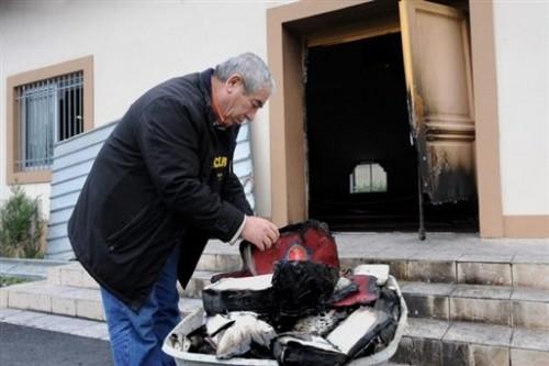 Mosquée de St Priest - incendie- livres brûlés.jpg