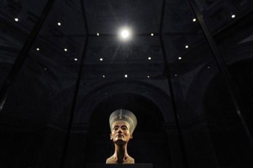 Berlin museum Nefertiti.jpg