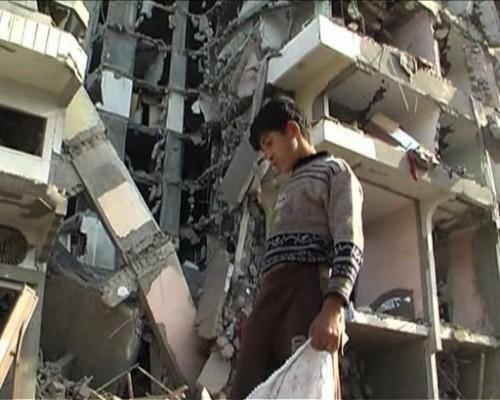 Israel destruction d'une tour d'habitation 14 janv 09.jpg
