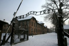 entrée camp d'Auschwirz.jpg