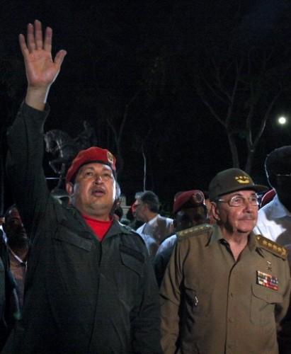 Cumana Venéz. Chavez et raul Castro 16 4 09.jpg