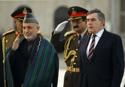 Gordon Brown et hamid Karzaï.jpg