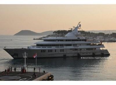 reborn yacht Tapie.jpg