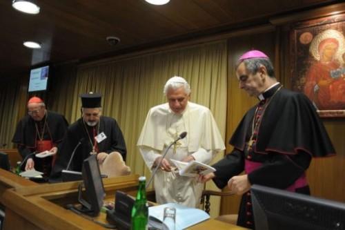 Clôture du Synode sur le MO 23 10 10.jpg