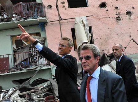Kouchner en Géorgie évacué d'urgence.jpg