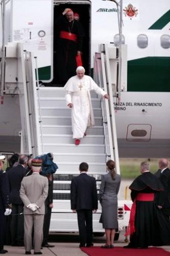 Arrivée du pape Paris.jpg