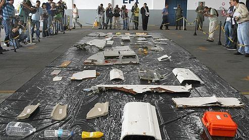 Débris de l'Airbus exposés à Recife.jpg