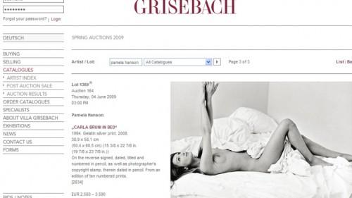Carla Bruni nue au lit.jpg