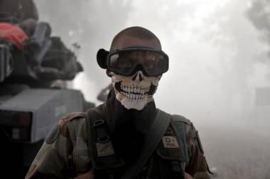 l-image-de-ce-legionnaire-francais-avec-un-foulard-portant-une-tete-de-mort-avait-fait-le-buzz-en-janvier-dernier-sur-internet.jpg