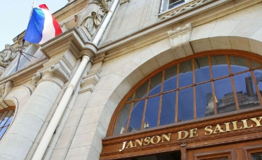 photo-prise-le-17-septembre-2002-de-l-entree-du-lycee-janson-de-sailly-dans-le-16eme-arrondissement-a-paris-l-un-des-plus-prestigieux-lycee-de-la-capitale_51.jpg