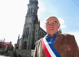 sans-titre.png prêtre breton.png
