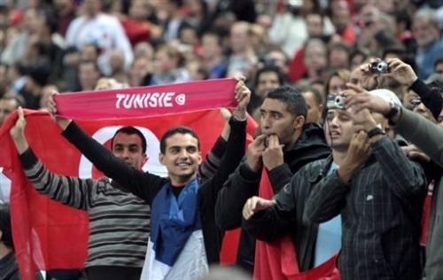 Tunisiens sifflant la Marseillaise 14 oct 08.jpg