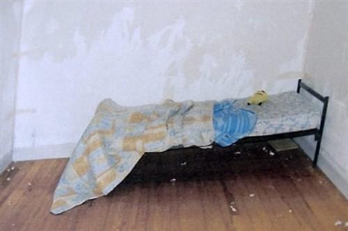 Chambre de Dylan enfant martyr Millau.jpg