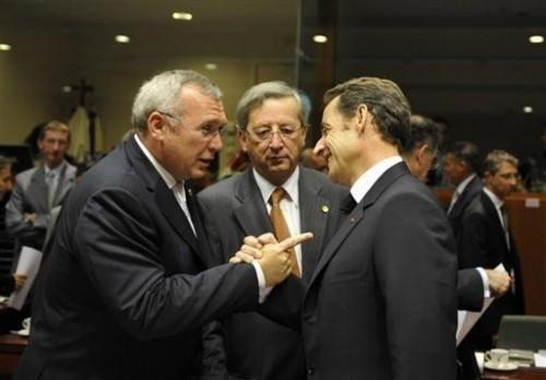 Chancelier autrichien et sarközy à Bruxeles 15.10.jpg