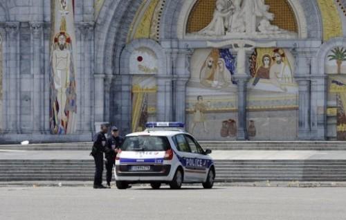 sanctuaires de Lourdes.jpg