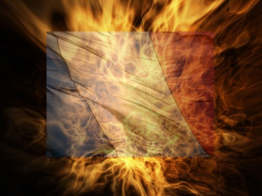 sans-titre.png  drapeau fançais brûlé.png