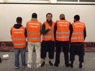 shariah-police-2-mpi.jpg