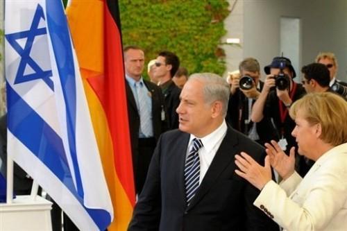 BN et Angela M à Berlin le 27 08.jpg