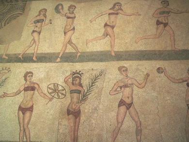 1024px-Casale_Bikini.jpg bikini romain (mosaïque).jpg
