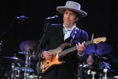 bob-dylan-en-concert-au-festival-des-vieilles-charrues-a-car_1141919.jpg Bob Dylan.jpg