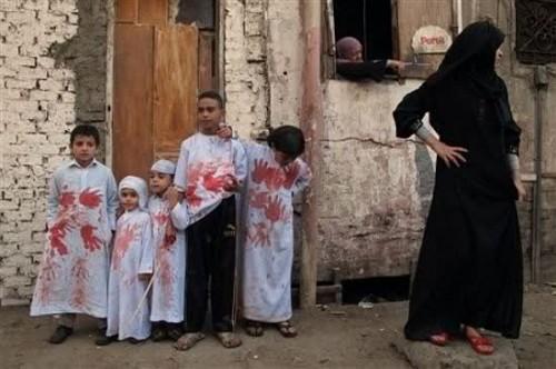 16kw9wn.jpg enfants et burqa aîd.jpg