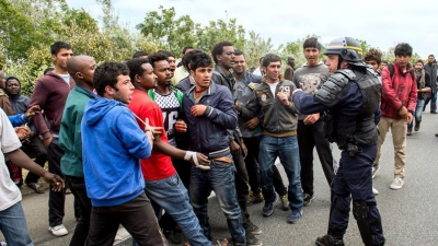 XVMdaf6516c-8707-11e5-b528-ec00c552b8ad.jpg migrants.jpg